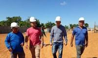 Vereadores acompanham andamento das obras da nova escola